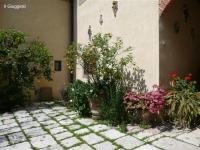 giuggiolo-courtyard-3