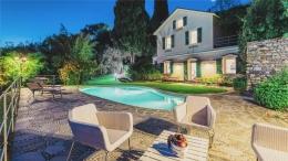Villa Ferrari Fontana 917 1280