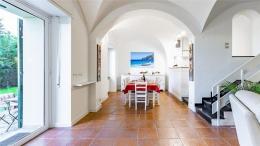 Villa Ferrari Fontana 99 1280-1